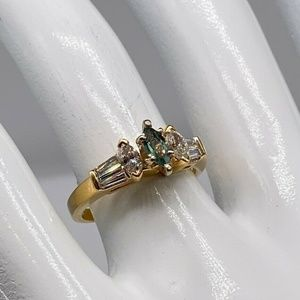 YELLOW GOLD MARQUISE ALEXANDRITE DIAMOND RING